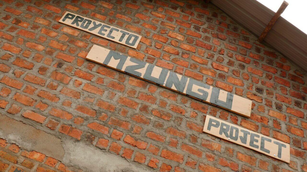 Proyecto Mzungu para construir una escuela en Africa