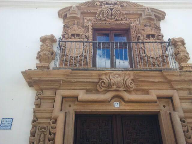 fachada escudo