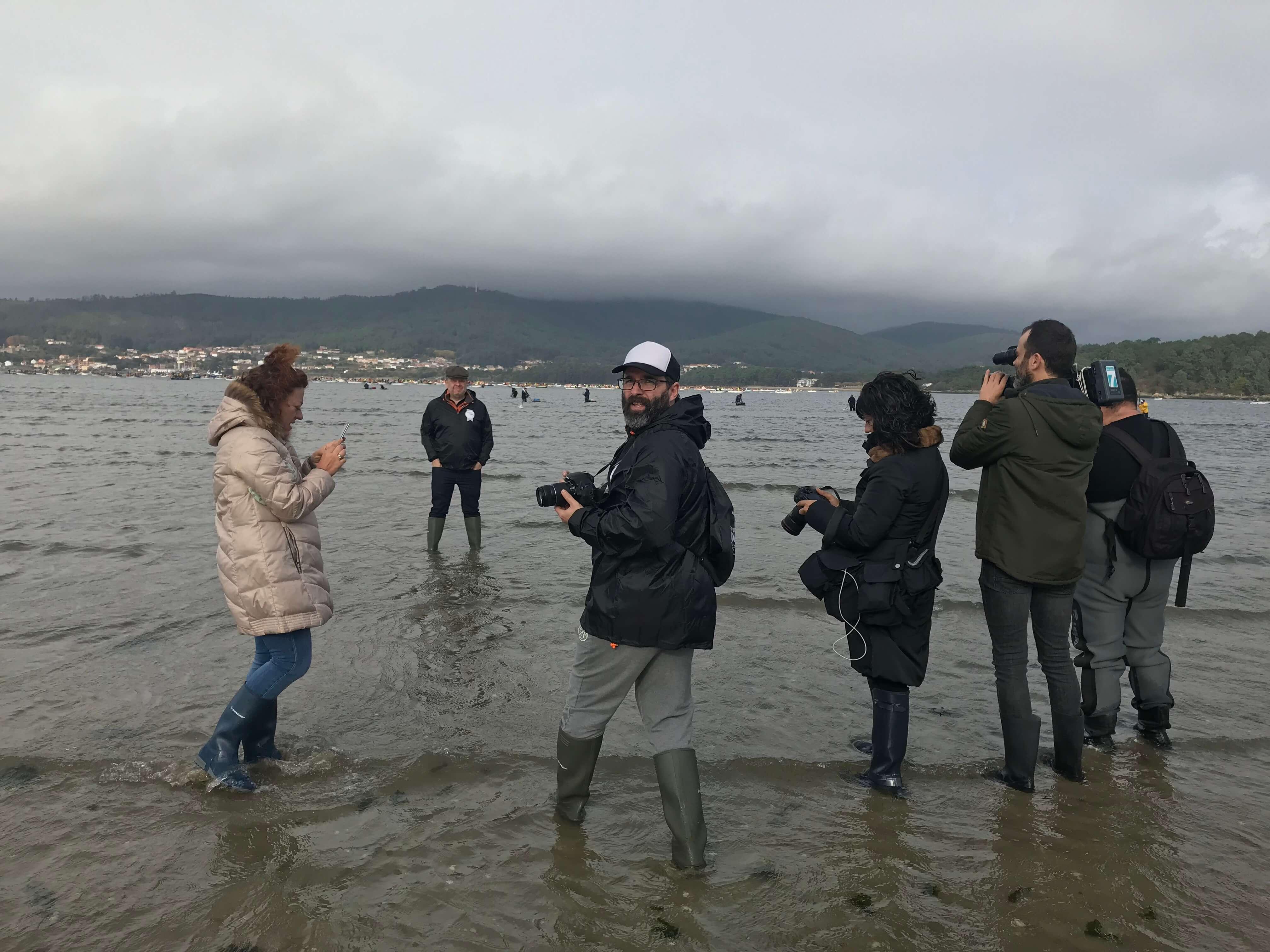 Alberto Chicote en la playa de Testa