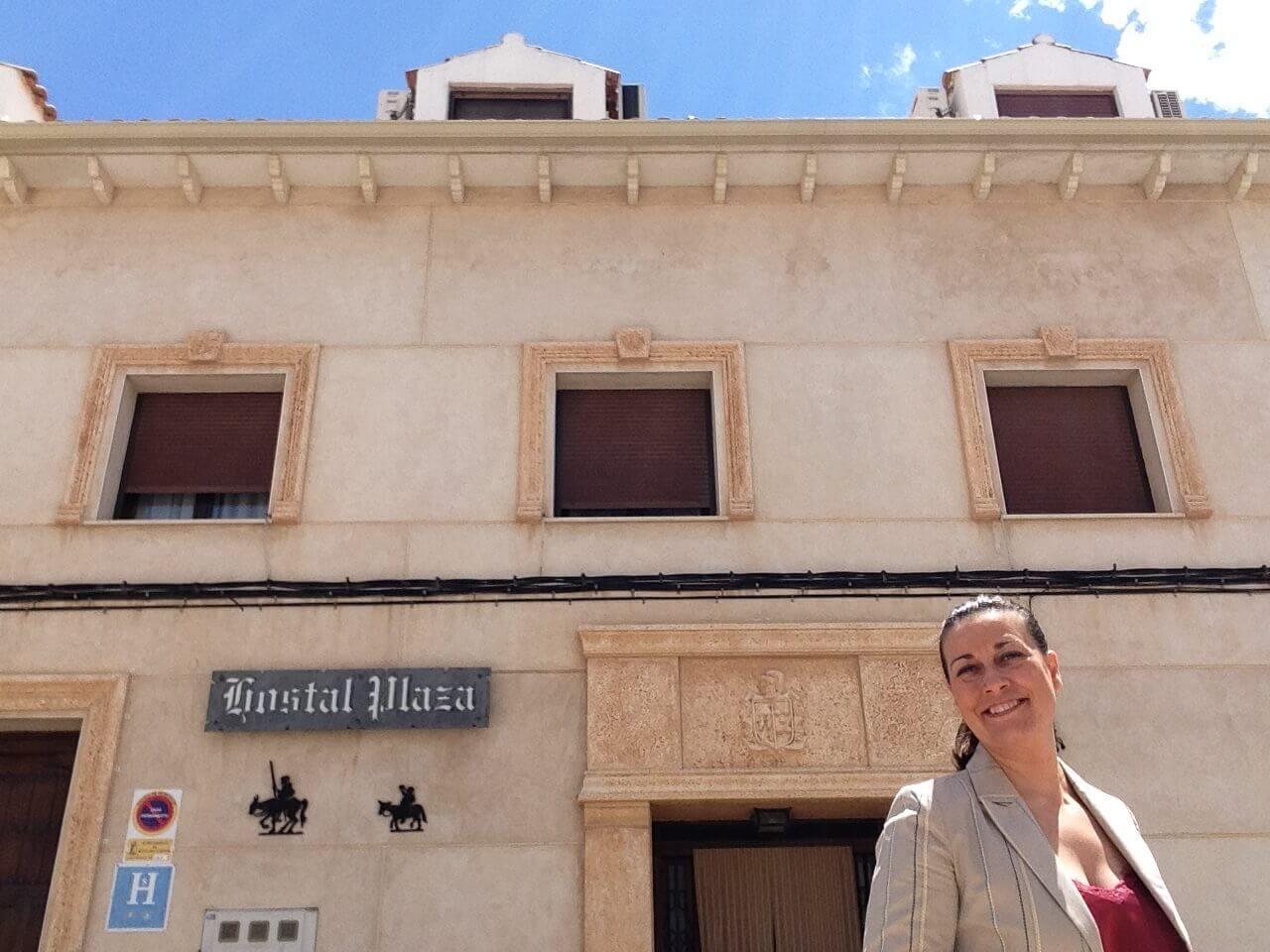 Alojamiento rural en la mancha HOSTAL RURAL PLAZA en Mota del Cuervo (CU) CEO dirección gerencia negocio familiar hotel con encanto desde 1868